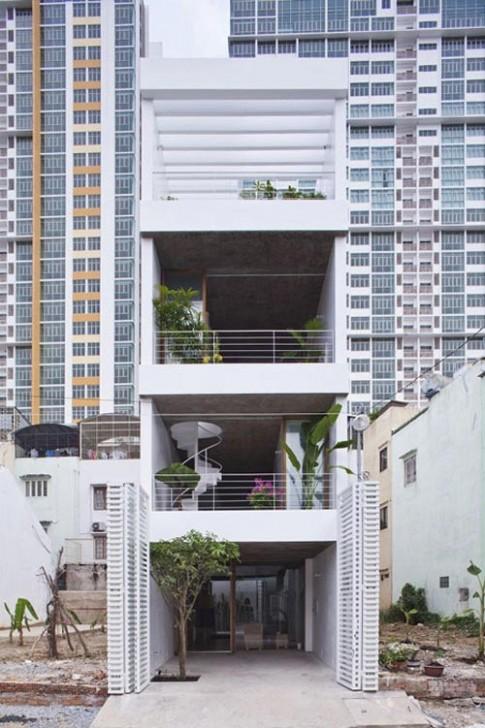 Ngưỡng mộ nhà ống Sài Gòn 'hút' sáng ngập nhà