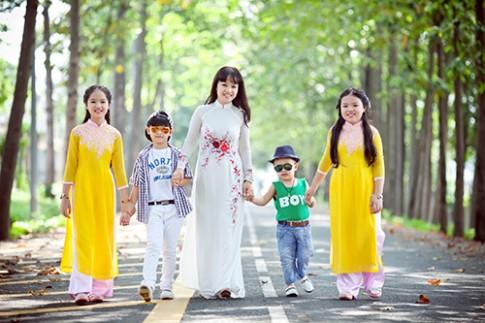 Ngưỡng mộ tài tháo vát của bà mẹ 4 con xinh đẹp