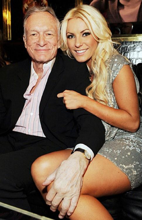 Nhà 100 tỷ tặng vợ trẻ của ông chủ Playboy