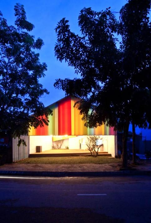 Nhà bảy sắc cầu vồng vui mắt ở Sài Gòn