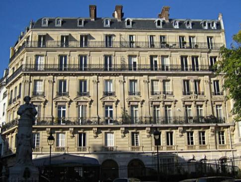 """Nhà gác mái 8m2 """"vạn năng"""" giữa Paris hoa lệ"""