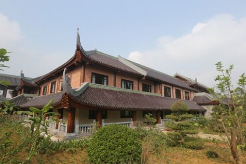 Nhà khách 5 sao toàn gỗ quý ở chùa Bái Đính