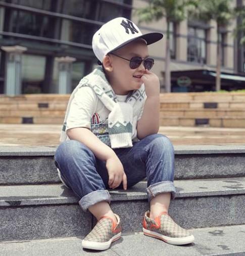 Nhóc Việt 4 tuổi gây sốt với style sành điệu