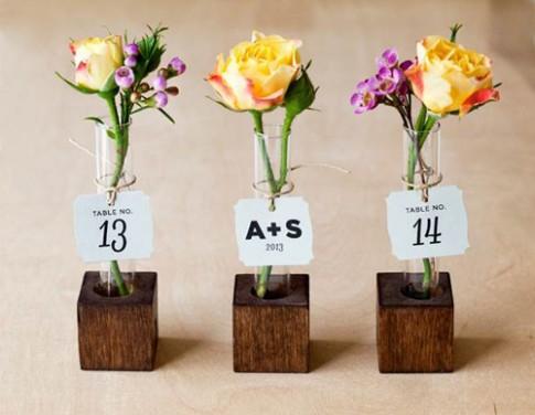 Những bình hoa xinh xắn không tốn tiền