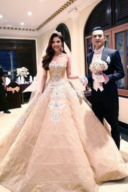 Những chiếc váy cưới trăm triệu gây sốc của sao Việt