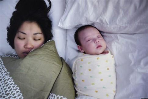 Những điều mẹ nên biết khi cho trẻ ngủ chung