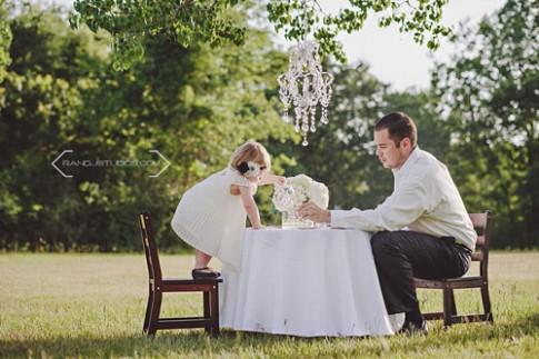 Những giây phút tuyệt đẹp của bố và cô tình nhân có tên 'con gái'