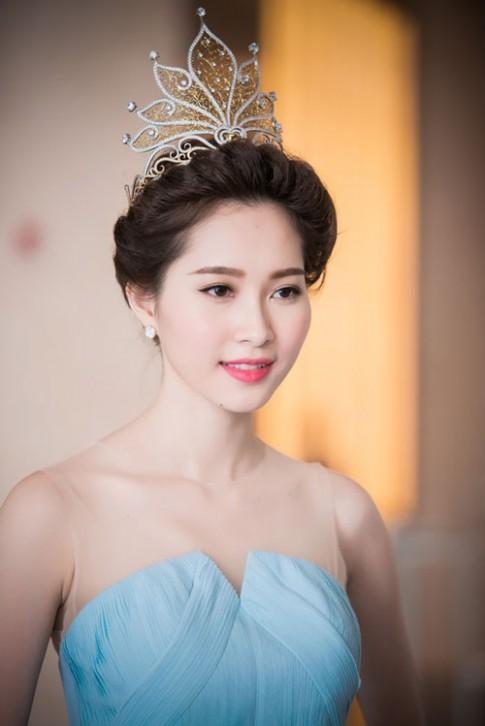 Những Hoa hậu Việt được lòng khán giả khi đăng quang