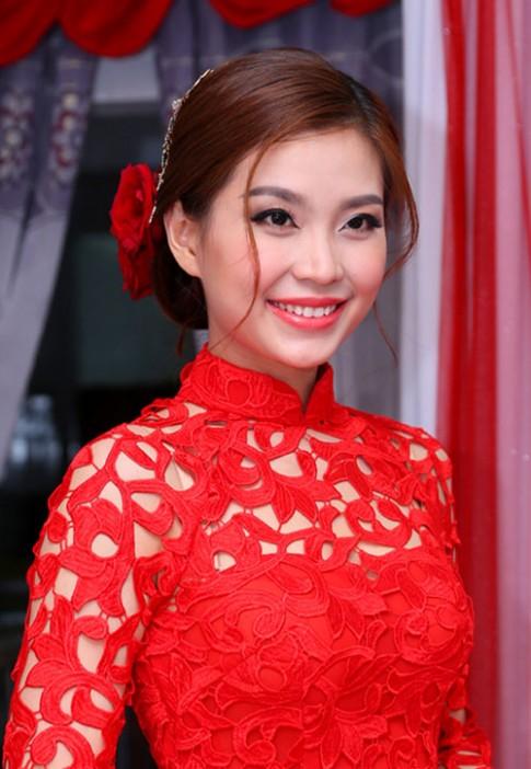 Những kiểu tóc cô dâu đẹp nhất của sao Việt cưới năm 2015