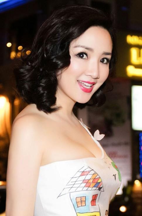 """Những kiểu tóc giúp Hoa hậu Giáng My """"cưa sừng"""" thành công"""