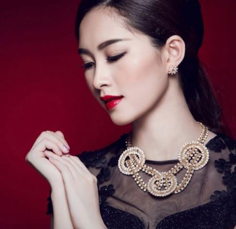 Những lần trang điểm đậm hiếm hoi của Hoa hậu Thu Thảo