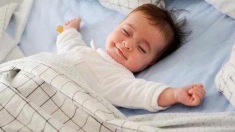 Những quan niệm sai lầm về giấc ngủ của trẻ