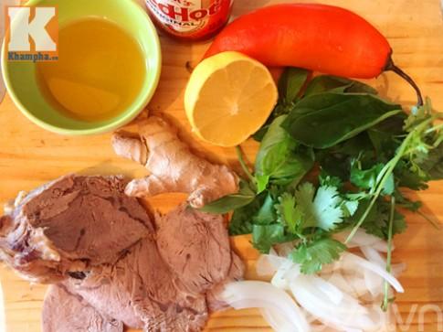 Phở bò trộn chua ngọt giải ngán sau Tết