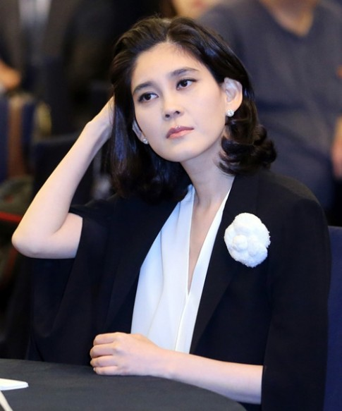 Phong cách miễn chê của nữ tỷ phú giàu nhất Hàn Quốc