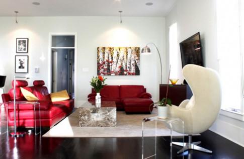 Phòng khách ấn tượng với ghế sofa đỏ