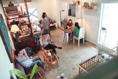Quán cà phê tái hiện gia đình trung lưu Sài Gòn xưa