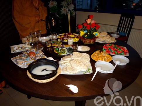 Rằm tháng Bảy: Người Việt xa xứ cũng ăn chay