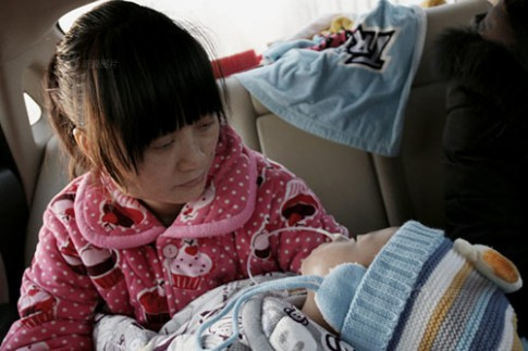 Rớt nước mắt cảnh bố mẹ xin cho con trai được chết