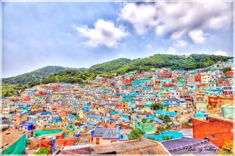 Rực rỡ ngôi làng ở Busan 'giàu' nhất Hàn Quốc