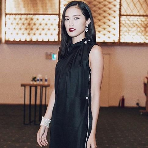 """Sao Việt xấu - đẹp khi dùng màu son """"khó nhằn"""""""