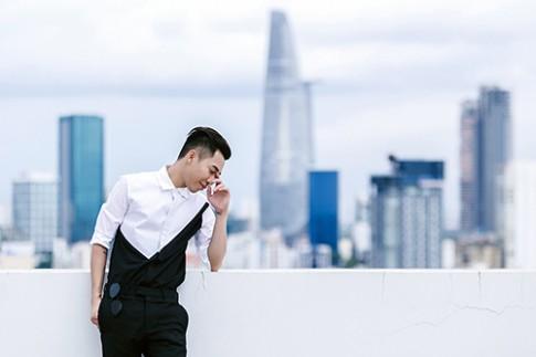 Stylist Hoàng Ku biến hóa phong cách với quần skinny đen