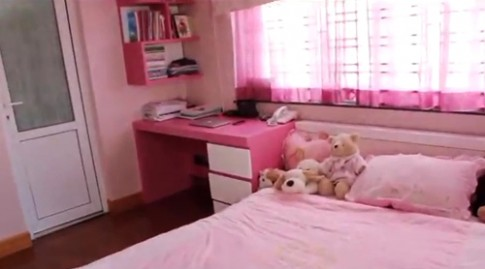 Tham quan phòng ngủ hồng lãng mạn 4 hot girl xinh xắn
