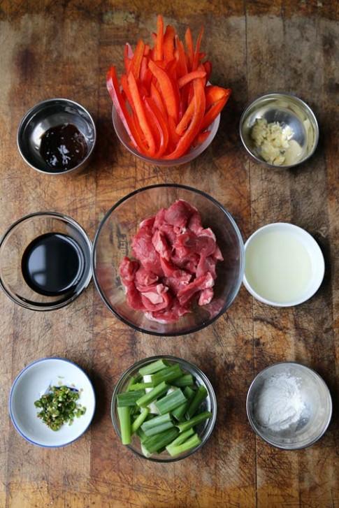 Thịt bò chiên sốt cay siêu ngon