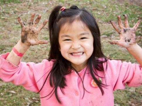 Thói quen tốt của bố mẹ giúp bé thông minh