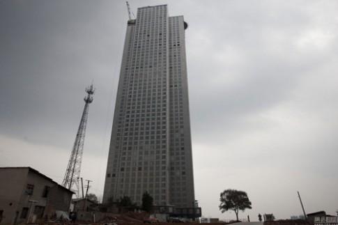 Trung Quốc: Sửng sốt tòa nhà 57 tầng xây trong 19 ngày