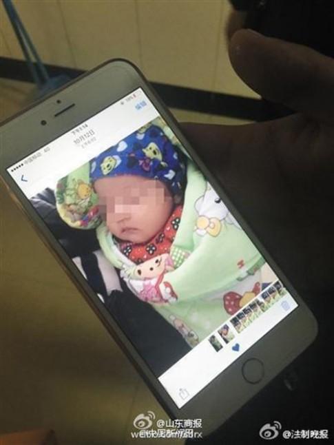 Trung Quốc xôn xao tin bé 2 tháng tuổi chết sau khi tiêm chủng