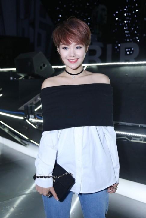 Tuần qua: Fan sững sờ vì Minh Hằng, Elly Trần