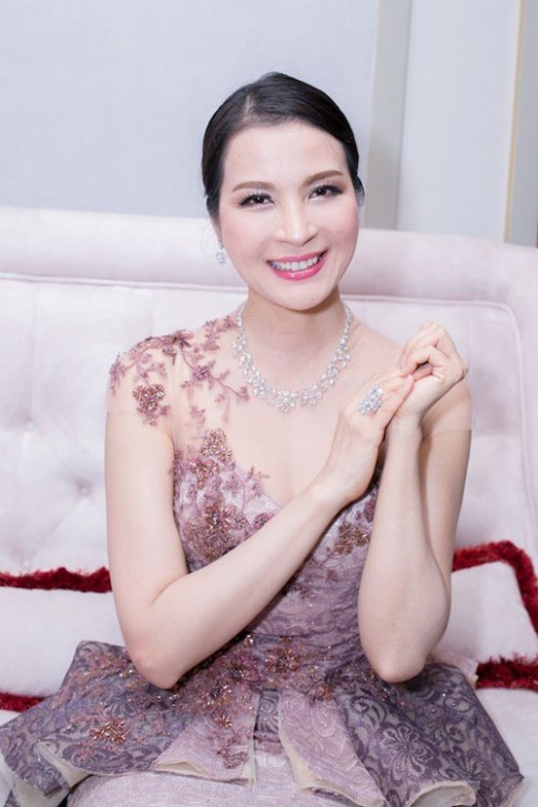 U50 Thanh Mai trẻ trung, Thu Minh vẫn đậm chất 'gái đẻ'