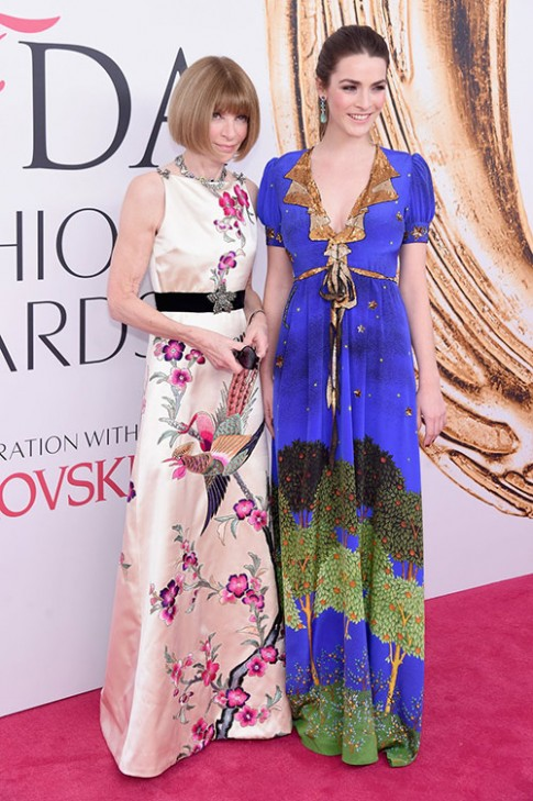 Váy xẻ gợi cảm bị thất sủng trên thảm đỏ CFDA Awards 2016