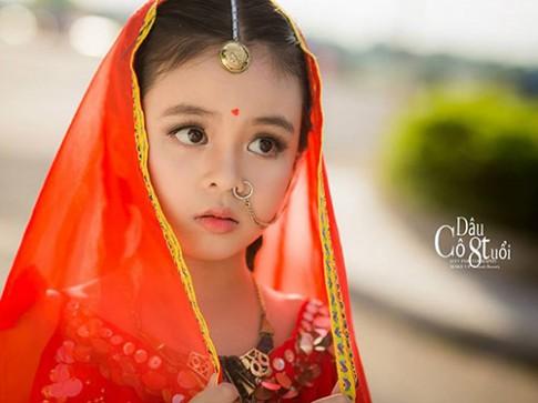 """Vẻ đáng yêu của bé gái Quảng Ngãi làm """"Cô dâu 8 tuổi"""""""