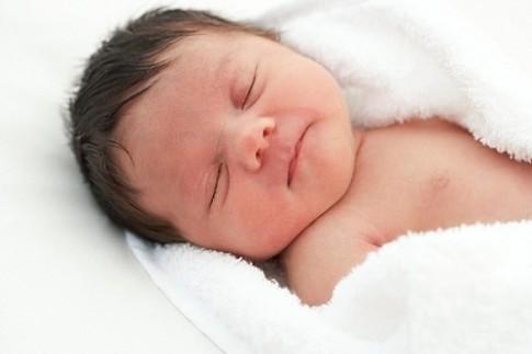 Việc có lợi mẹ nhất định phải làm cho bé ngay sau sinh