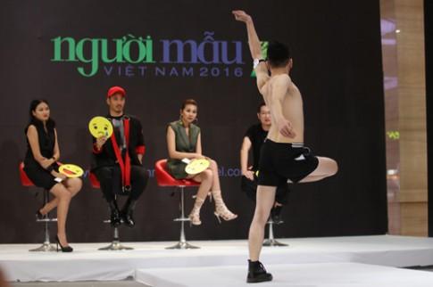 VNTM 2016: Cười ngất xem thí sinh lăn lê trên sàn diễn
