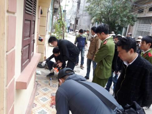 Vợ chồng chết trong nhà cháy: Cướp cả đôi dép tổ ong