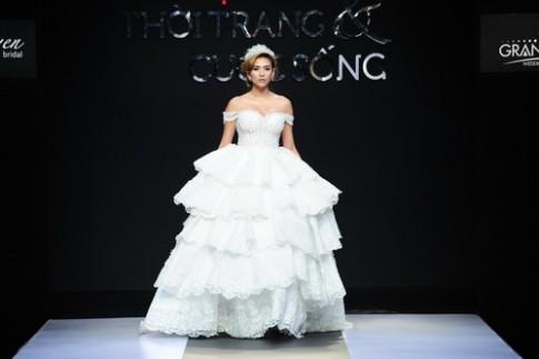 Võ Hoàng Yến vòng 1 tràn trề với váy cưới