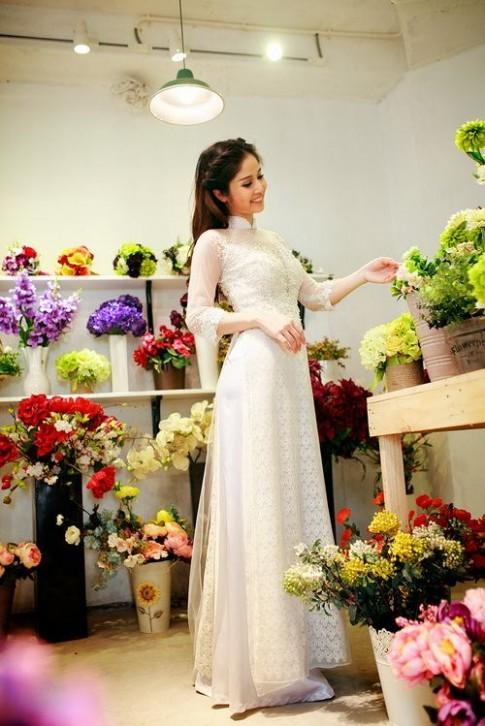 Vợ Phan Thanh Bình dịu dàng áo dài cưới