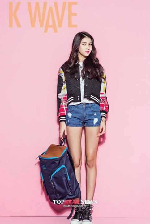 """3 mỹ nữ Hàn đang làm dân mạng """"sôi sục"""" vì dáng đẹp"""