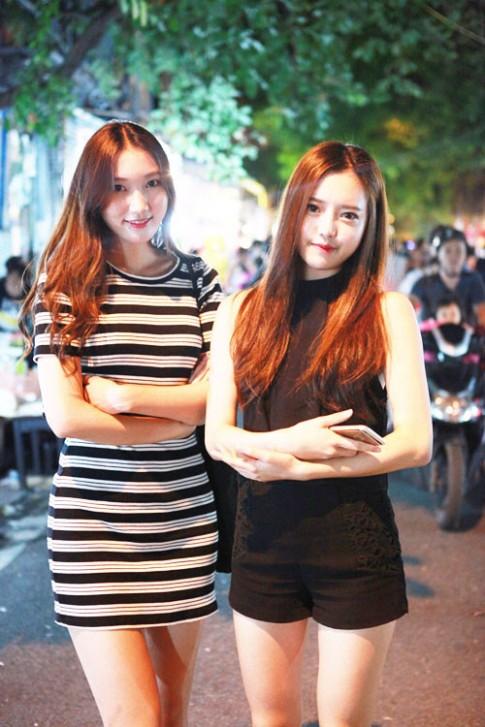 5 thiếu nữ chân dài xứ Hàn gây xôn xao phố Hàng Mã