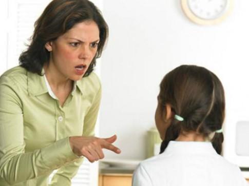 6 kiểu dạy sai lầm của bố mẹ làm hỏng tương lai con