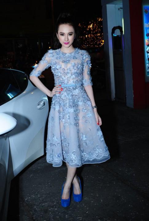 Angela Phương Trinh tái xuất với váy nhái Elie Saab