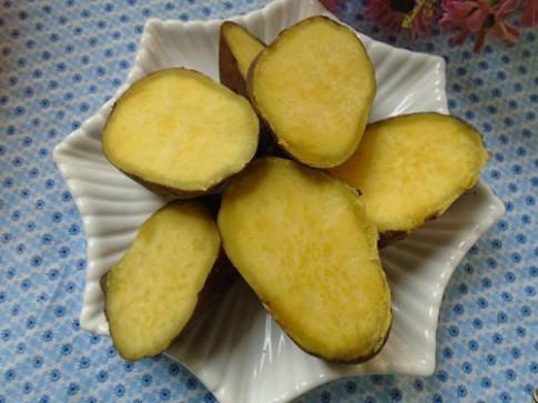 Bánh khoai lang giòn tan cho con ăn vặt ngày đông