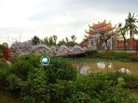 Cận cảnh ngôi nhà thờ Tổ trăm tỷ của danh hài Hoài Linh