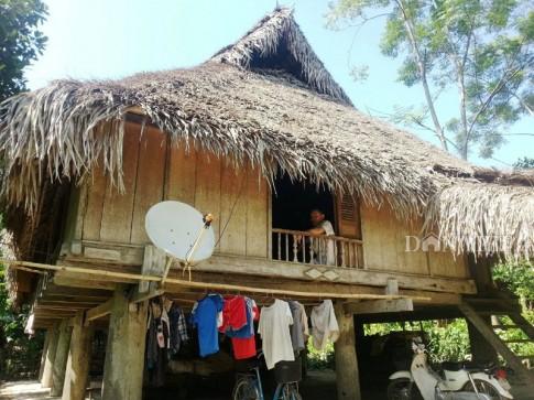 Chiêm ngưỡng ngôi nhà sàn cổ bằng gỗ quý hiếm ở xứ Thanh