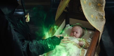 Chuyện ít biết thú vị về những em bé sơ sinh đi đóng phim