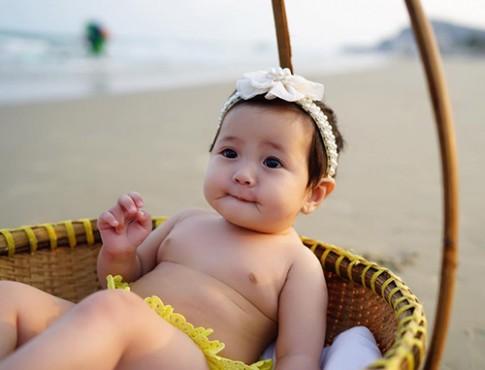 """Con gái Hà Kiều Anh khiến bạn phải thốt lên """"yêu ơi là yêu"""""""
