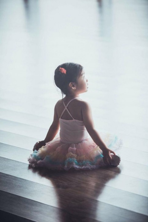 Con gái Xuân Lan diện váy balê xinh như công chúa nhỏ