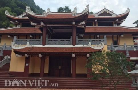 Công trình lai căng sừng sững tại chùa Hương hóa ra… không phép